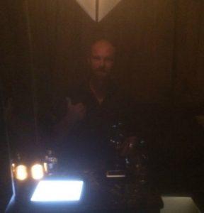 Kaner at the Cloakroom Bar