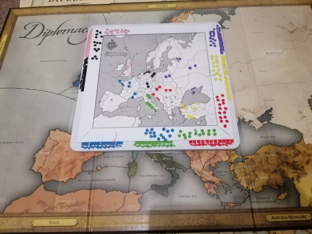 Kaner's magnetic Diplomacy board and size